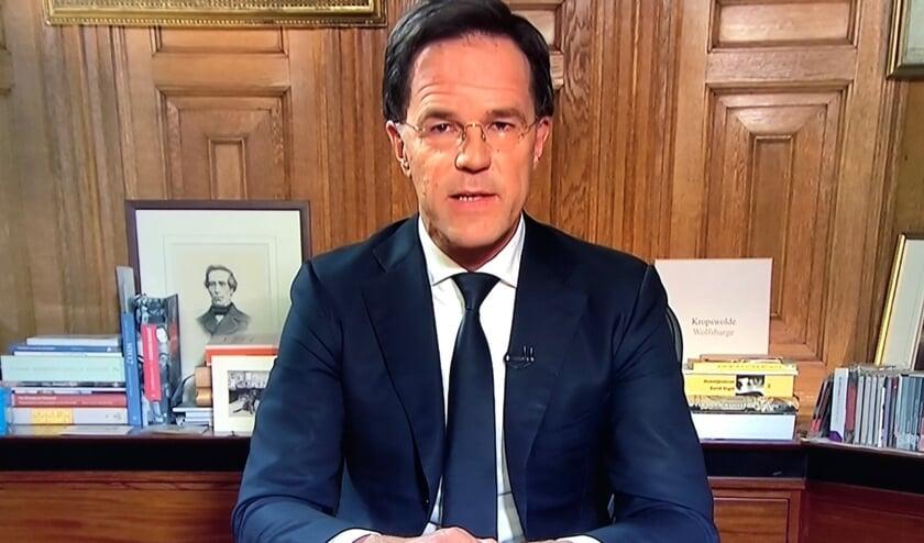 Minister-president Rutte op TV toen hij het Nederlandse volk toesprak.
