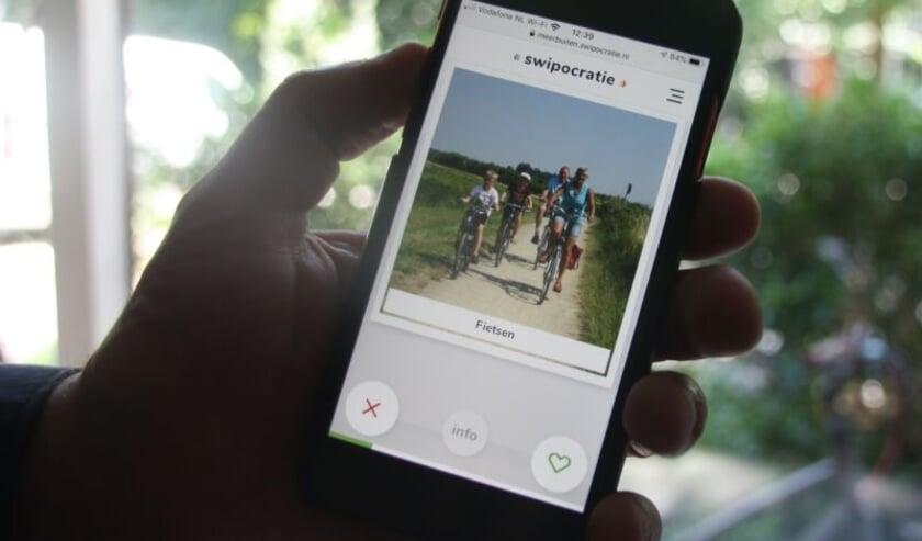 Swipen kan gewoon via je mobiel.