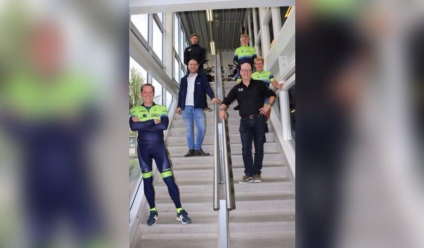 Michel Achterberg (Full of Life), Richard de Groot (secretaris TCL), Dirk van der Steen (Dirk van der Steen), Mirella Wamsteeker (kledingcommissie TCL), Leo Koot (voorzitter TCL), Marcel de Graaf (Kroone Liefting)