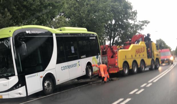 Ook deze Connection bus had problemen onderweg in Heiloo. Om 09:00 uur op Kennemerstraatweg, ter hoogte van Ter Coulster!