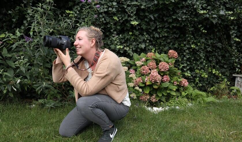 <p>Het Vrijwilligers Informatie Punt Heiloo (VIP) was op zoek naar &lsquo;een flitsende fotograaf&rsquo;. De 28-jarige Sanne Kaandorp reageerde op de vacature. Het bleek een perfecte match.&nbsp;</p>