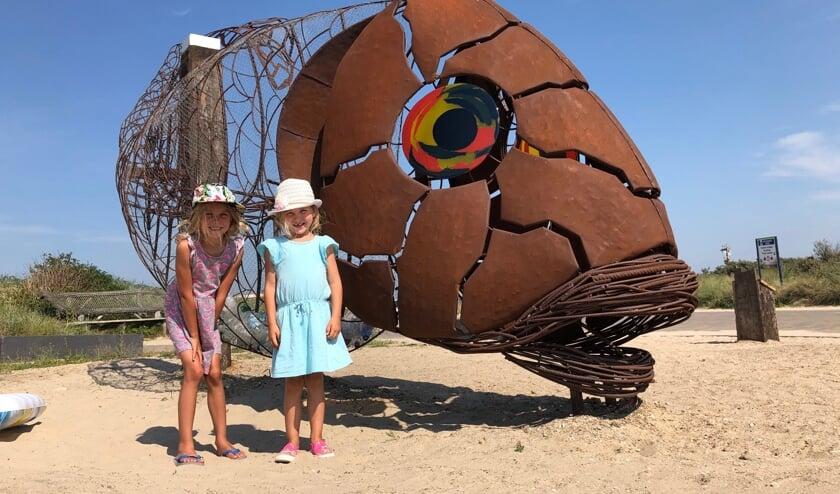 Femke en Rosie, dochters van bedenker Suzanne Buis, mochten de CatFish in de zomervakantie onthullen.