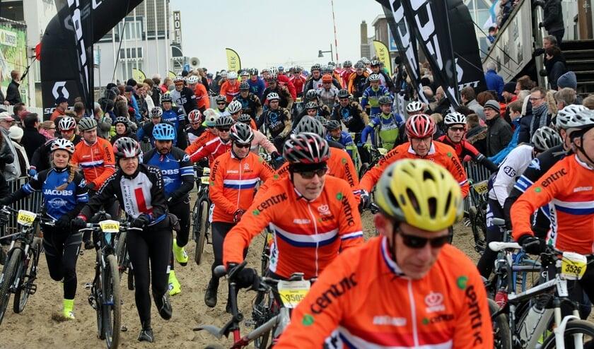 <p>Geen &#39;kluwe&#39; fietsers tijdens Egmond-Pier-Egmond dit jaar.&nbsp;</p>