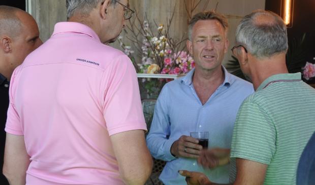 Peter Vonk in gesprek met investeerders.
