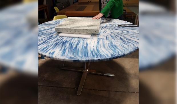 Tafel vervaardigd van gerecycled plastic.