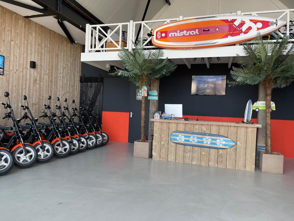 Verken de prachtige omgeving met een elektrische scooter of fiets. Foto: Anita Webbe © Uitkijkpost Media Bv.