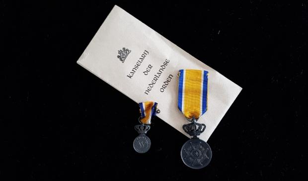 <p>Koninklijke onderscheiding is de kroon op de inzet voor de maatschappij.</p>