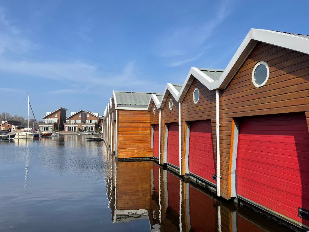 Boothuizen in Jachthaven Uitgeest. Foto: Anita Webbe © Uitkijkpost Media Bv.