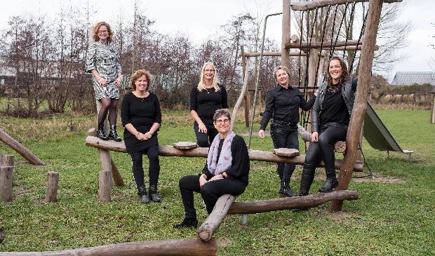 <p>Een deel van het team van Melior onderwijs, links Adri&euml;tte Tervoort.</p>
