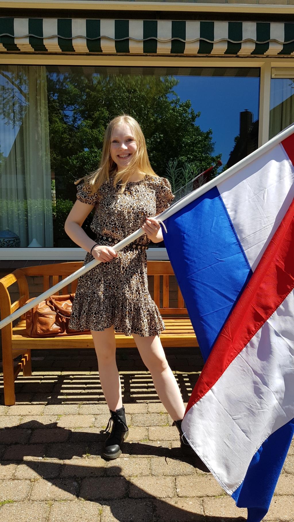 Nila Witte van harte gefeliciteerd met je VWO diploma! Heel veel succes met je studie Geneeskunde in Leiden! Liefs, papa, mama en Merijn. Foto: aangeleverd © Uitkijkpost Media B.v.