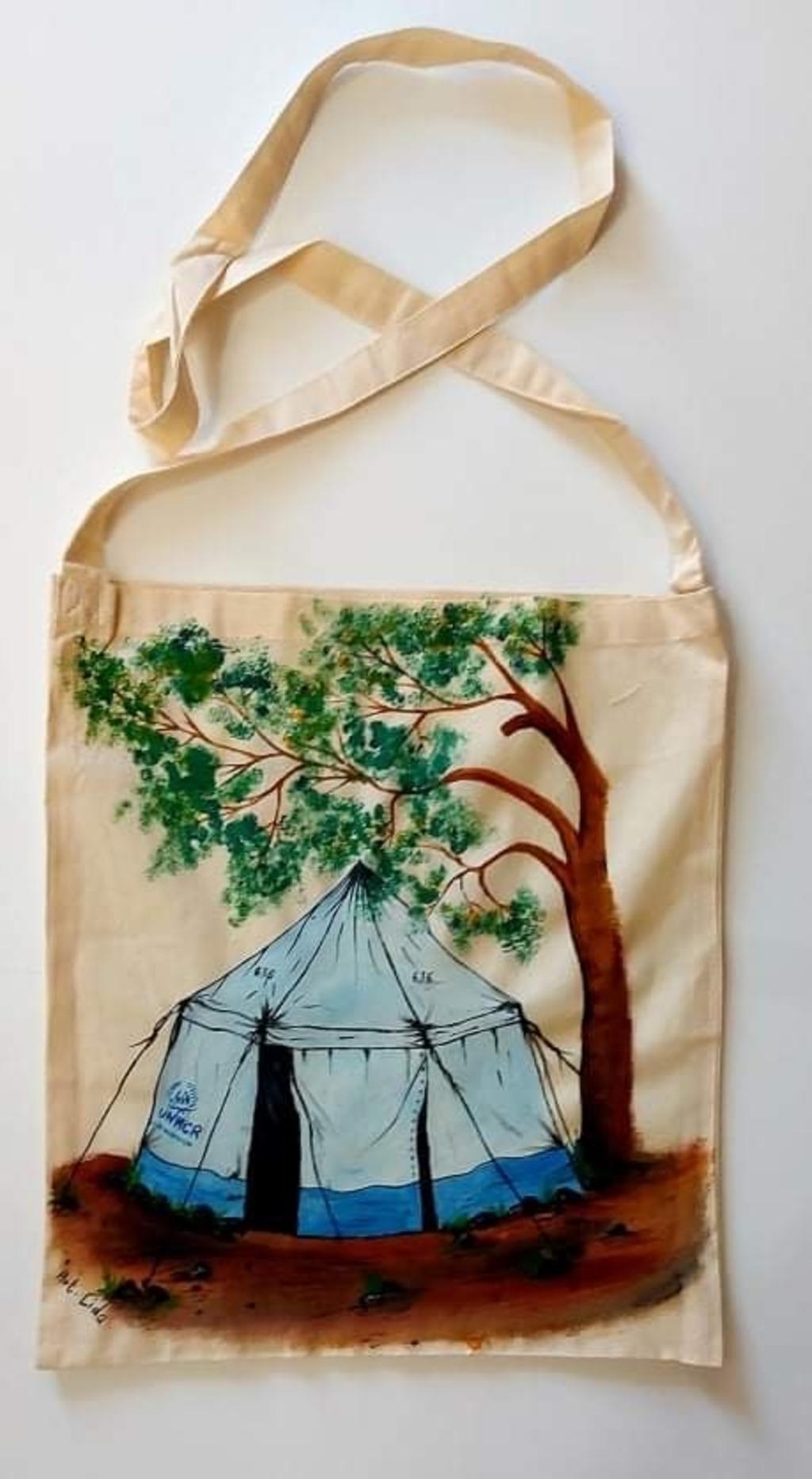 Een voorbeeld van de tas die Marie-José wil verkopen. Foto:  © Uitkijkpost Media B.v.