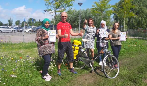 Drie dames behaalden op 8 juli hun certificaat fietsveiligheid.