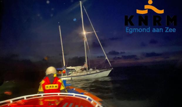 <p>KNRM Egmond helpt zeiljacht!</p>