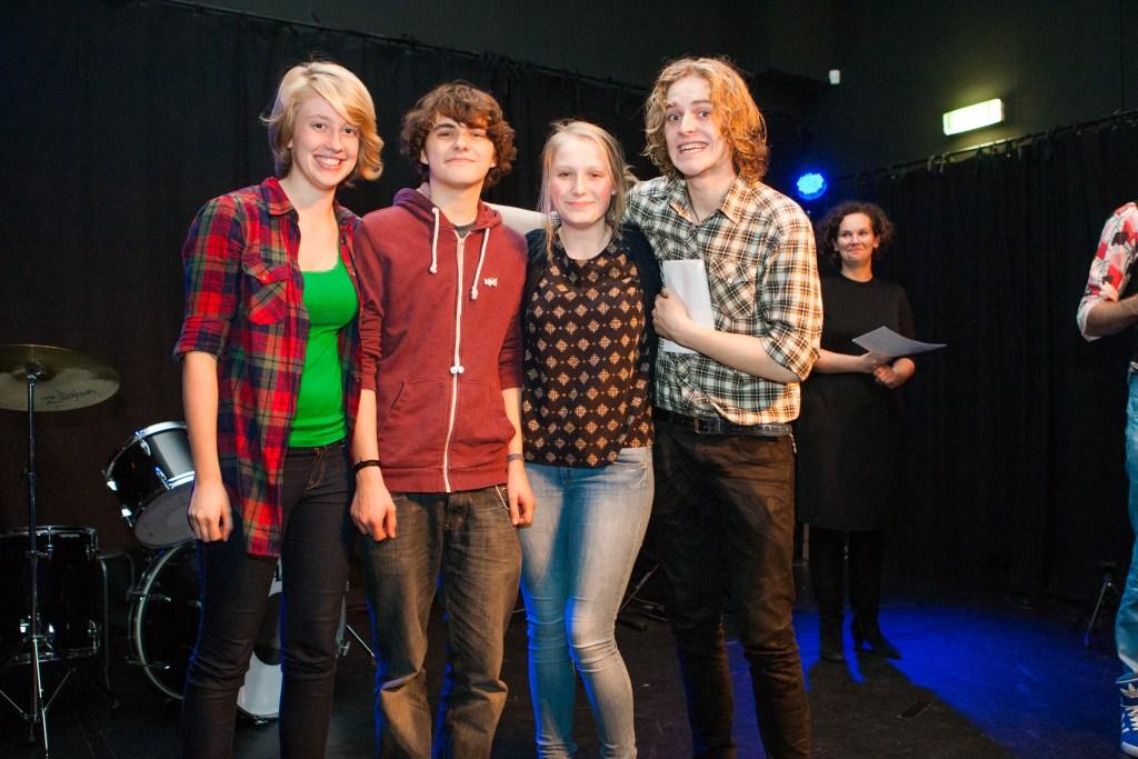 Ook Eva, Simon, Eva en Guido hebben een ticket voor de finale  © Enter Media