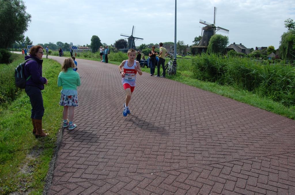 Kelvin Baartwijk wint met ruime voorsprong de 2,5 km  © Enter Media