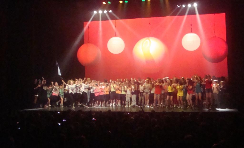 Allemaal op het podium voor het slotapplaus  © Enter Media