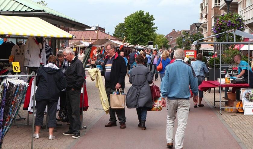 Medewerkers van de gemeente zijn dinsdag 11 februari op de markt in de Oostermeent en zaterdag 8 februari in het Oude Dorp.