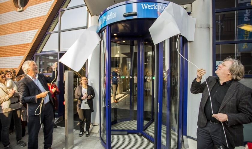 Wethouders Van der want (links) en Klamer hebben goede hoop op een snellere integratie van statushouders in Hilversum. Foto: Bastiaan Miché