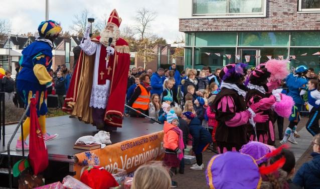 Sinterklaas op het Malbakplein in Blaricum.