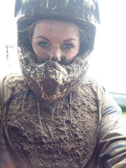 Foto gemaakt na een modderrace  Nina  Klink © Enter Media