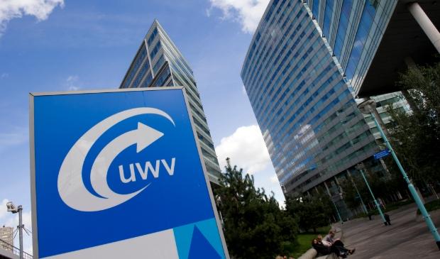 <p>Steeds minder mensen doen een beroep op het UWV.</p>