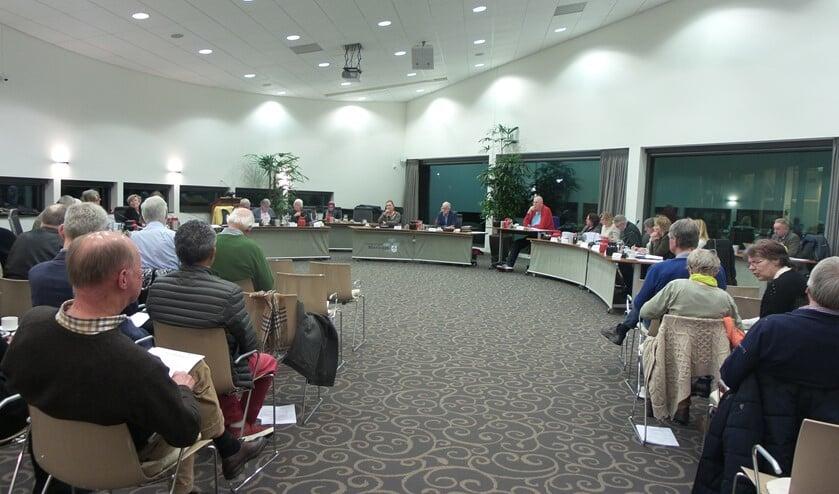 <p>De gemeenteraad vergadert weer in het BEL-kantoor. De publieke tribune blijf nog gesloten.</p>