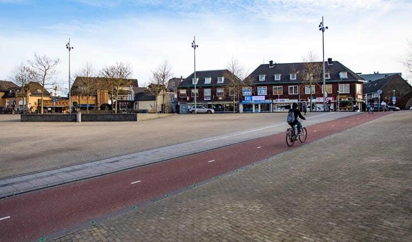 Vanuit het station rijden dagelijks duizenden fietsers richting de gevaarlijke fietsoversteek.