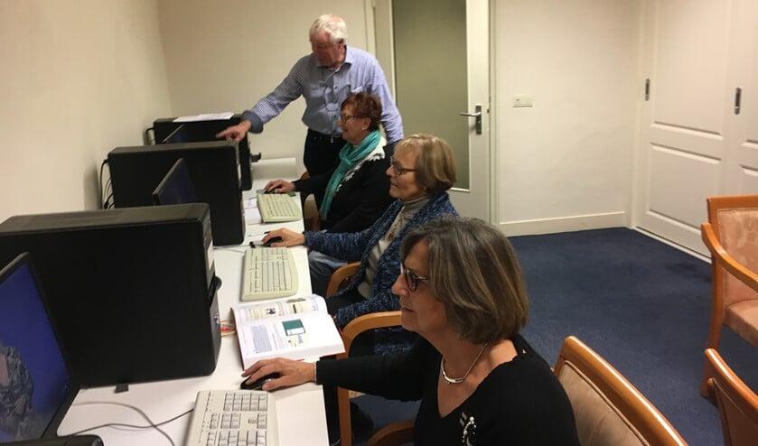 In september starten in kleine groepen ook weer de computerlessen.