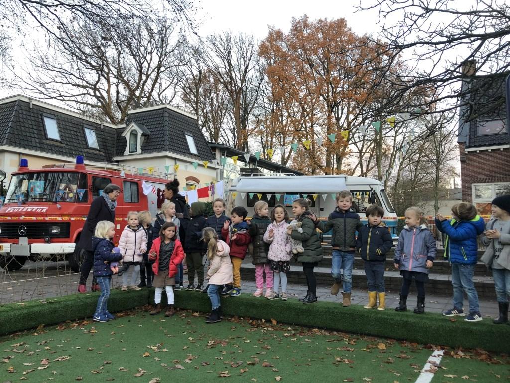Zingen om Sinterklaas te wekken. Foto: De Binckhorst-St. Jan © Enter Media