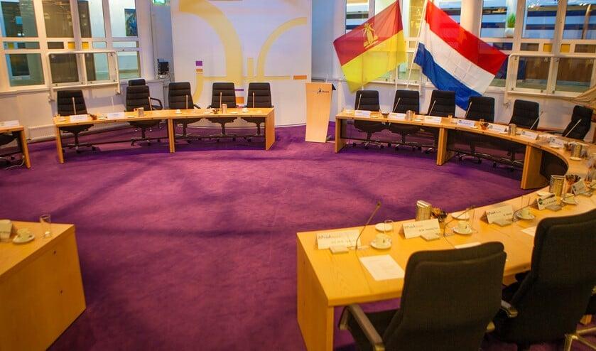 De gemeenteraadsvergadering vindt deels in de raadzaal en deels digitaal plaats.