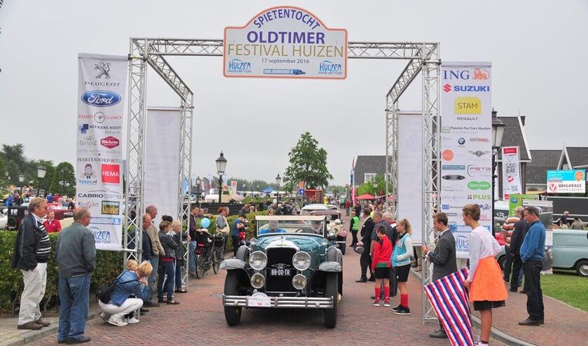 Dit jaar gaat het Oldtimer Festival Huizen weer door, inclusief de Spietentocht voor deelnemers.