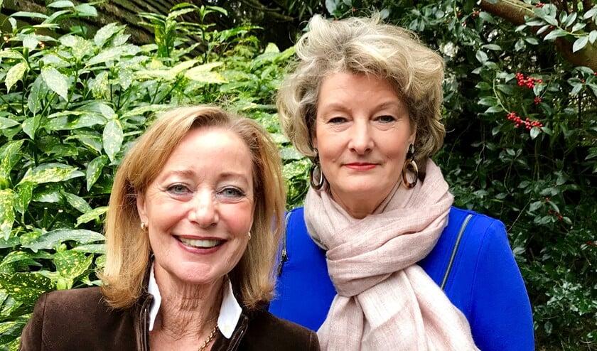 Jacqueline Timmerman (l) en Maria Klingenberg hebben niets in de Larense melk te brokkelen.