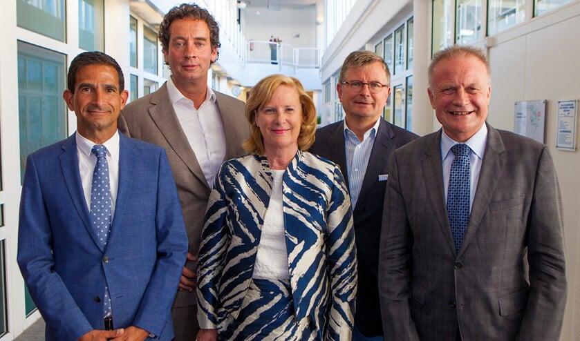 Van links naar rechts: Maarten Hoelscher, Roland Boom, Marlous Verbeek, Bert Rebel en Sicko Heldoorn.