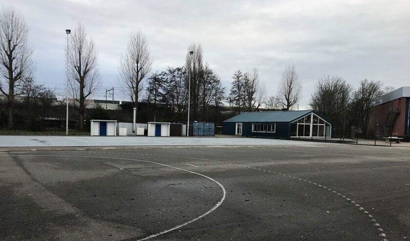 De accommodatie van SV Zeeburg op de Prins Bernhardlaan.