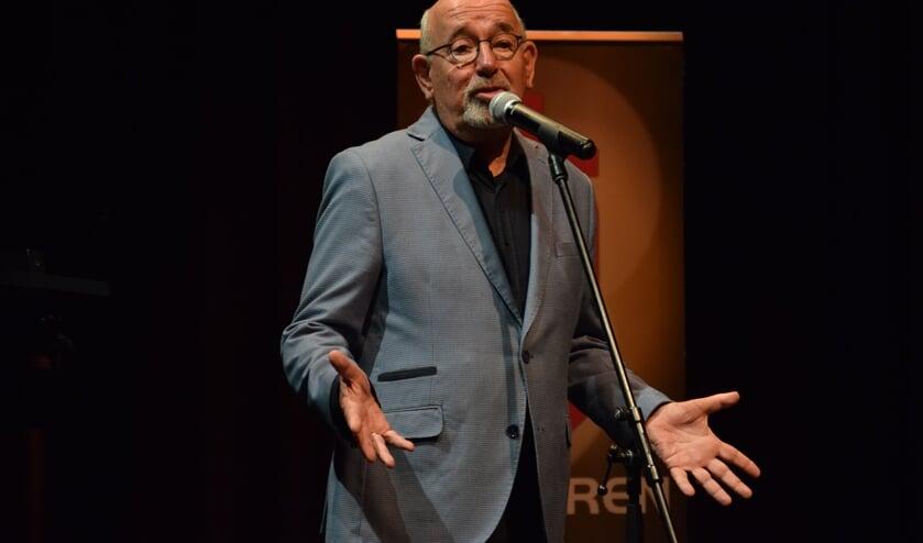 Runderkamp zong zing in Delft naar de volgende ronde en werd daarbij begeleid door artistiek leider en pianist Kees van Zantwijk.