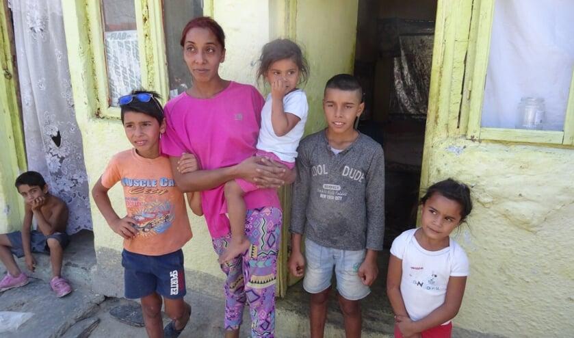 Stichting Dialoog bestrijdt vanuit Bussum armoede in Roemenië en omgeving.