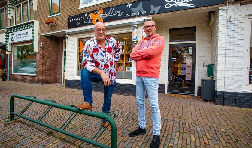 Kappers Sander van Dalen en Jack Strijd, ook wel Snelle Jack, van kapsalon Le Papillon.