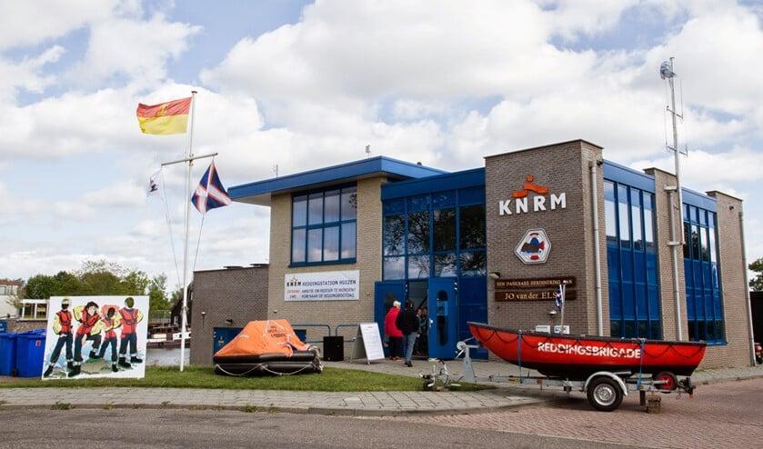 Het reddingstation van de KNRM bij de haven in Huizen gaat zelfstandig verder.