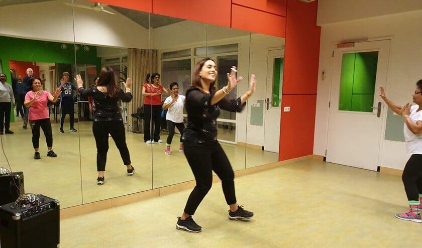 Dachel geeft Bollywood-dansles: leuk en gezond.