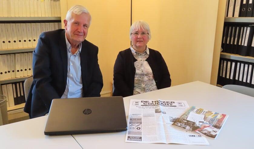 Ewoud Doyer en Wendy van Noppen van de Historische Kring Huizen hebben sinds hun kindertijd al iets met geschiedenis.