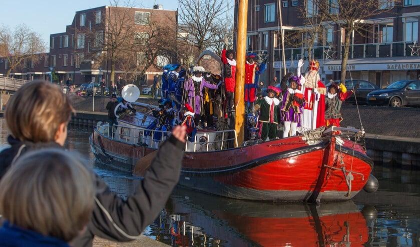 Sinterklaas komt zondag 24 november ook aan in Winkelcentrum Oostermeent.