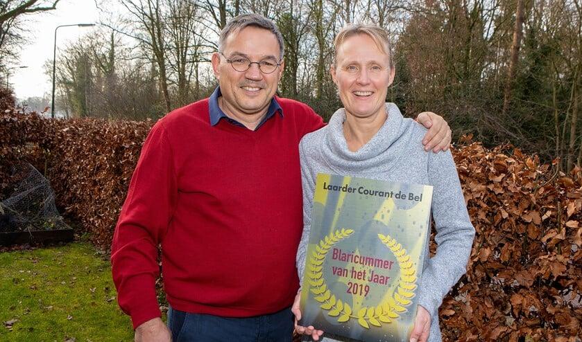 Linda Eggenkamp samen met haar partner Robert Eijpe.