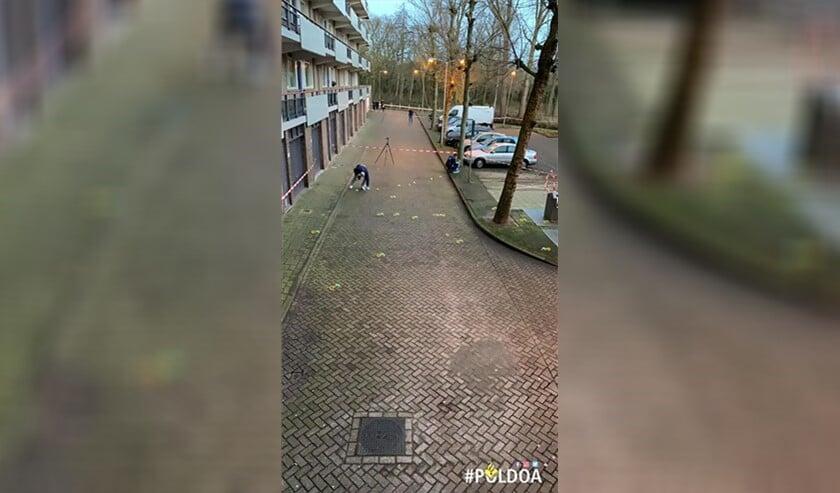 De politie doet onderzoek aan de Rode Kruislaan