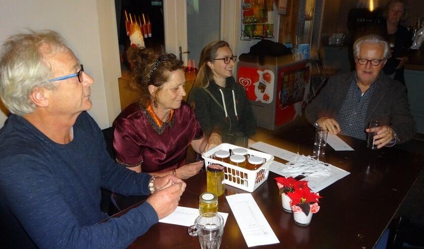 Tijdens de keuringsavond van de VVBN, afdeling Laren-Blaricum.