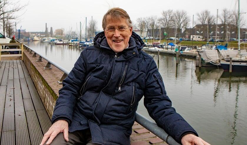 Ruud Hehenkamp gaat maandelijks een rubriek met een gedicht over een beeld maken.