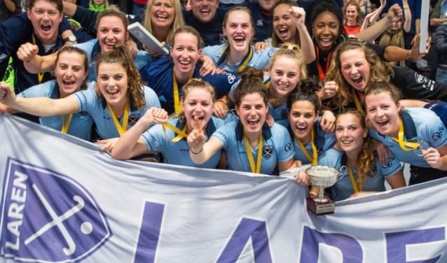 De Larense zaalhockeydames hebben de Europese titel te pakken.