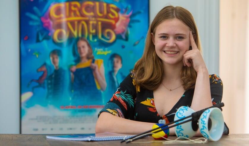 Luna Wijnands uit Bussum speelt de hoofdrol in Circus Noël.