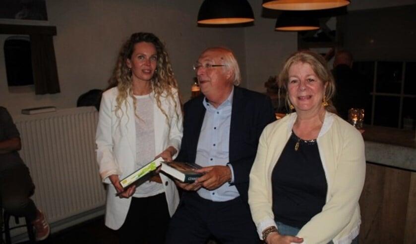 Roxane van Iperen, Ad van Liempt en Marloes Eerden waren de grote publiekstrekkers van het kunstcafé.