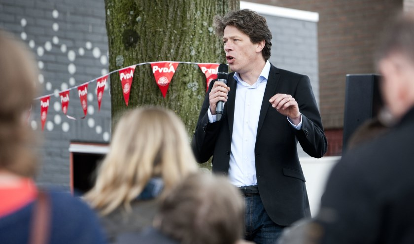 Paul Tang op campagne.