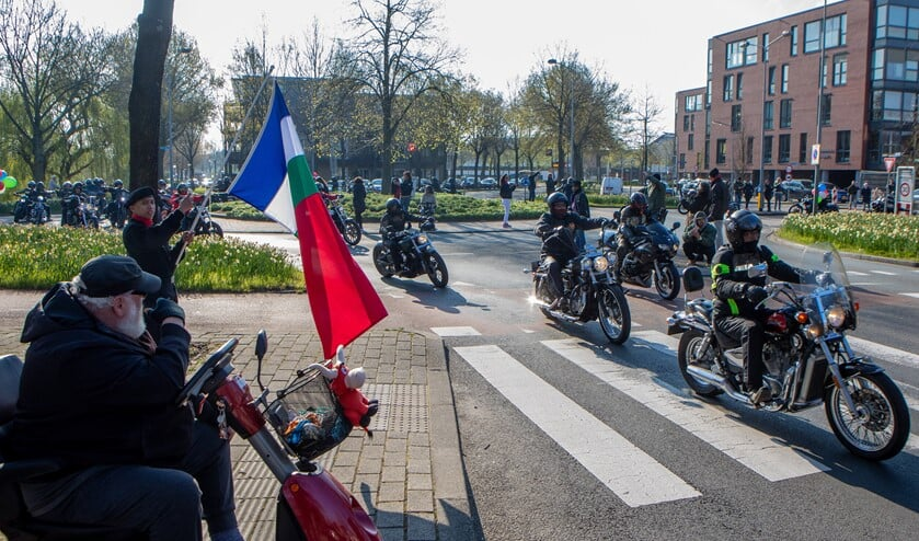 De motorrit startte 13 april in Huizen.